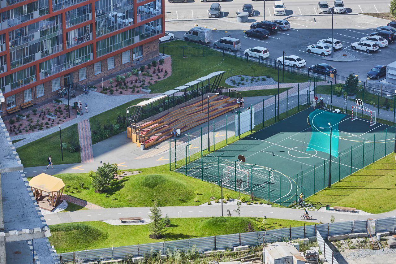 Многофункциональная площадка опять открыта для спортивных игр и ждет вас!